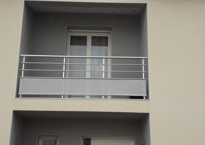 garde corps aluminium balcon exterieur plaque.