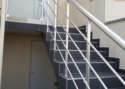 garde corps aluminium escalier exterieur.